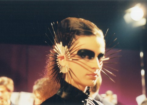 Alexander McQueen Spring/Summer 2003. Courtesy of the Shaun Leane archive.